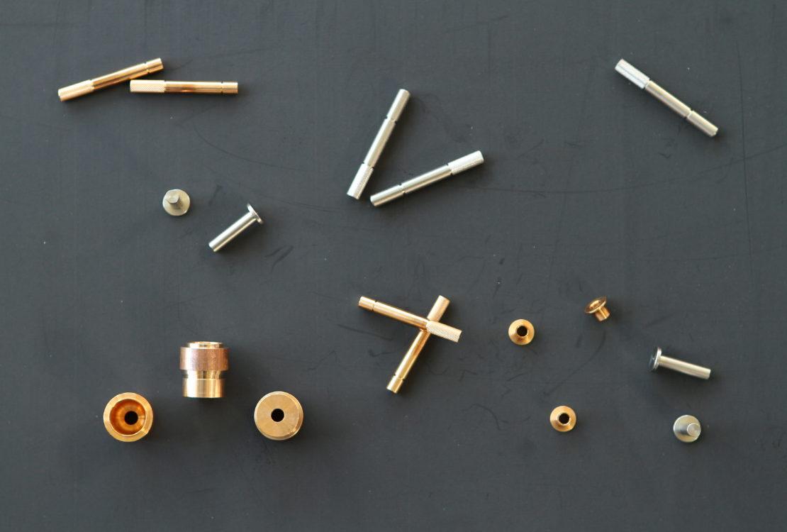 pieces decolletage