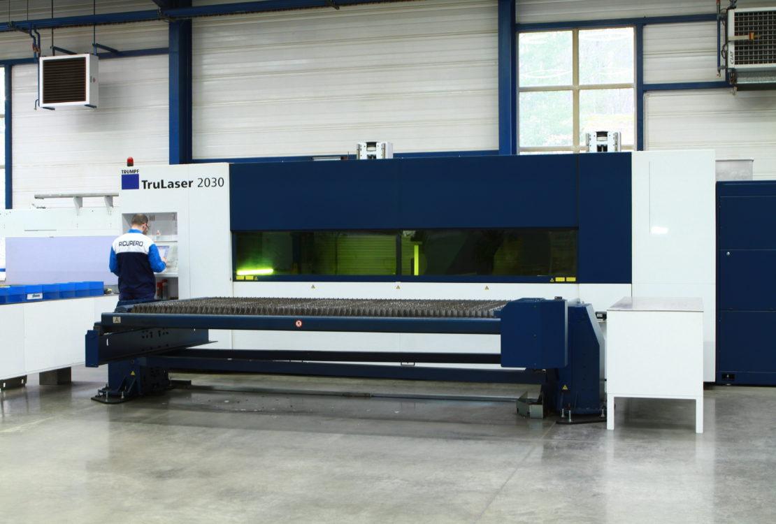 machine decoupe laser